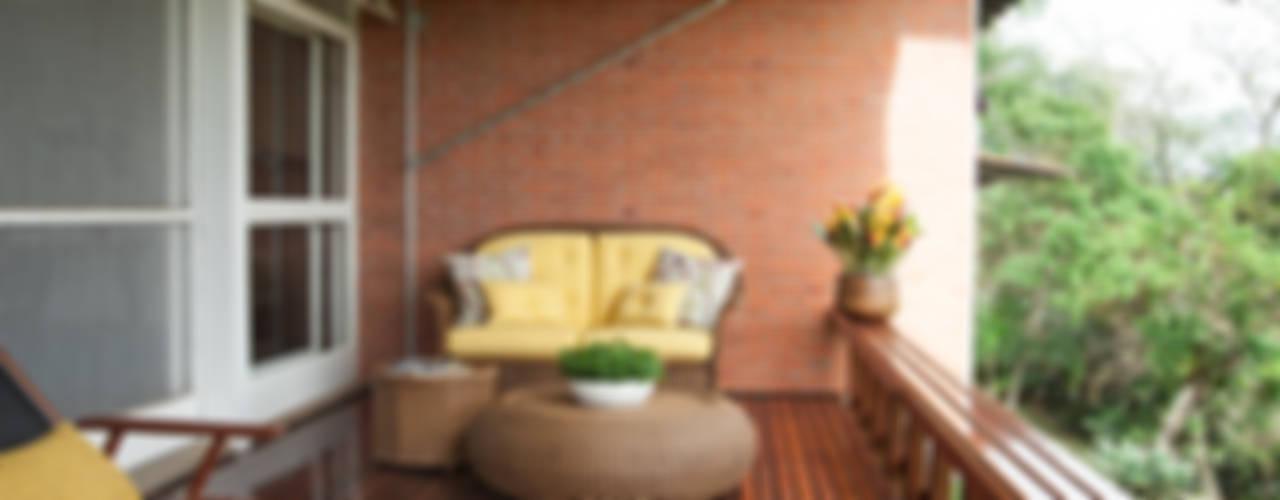 Chalé Clube de Campo de São Paulo/SP - I Varandas, alpendres e terraços rústicos por Renata Romeiro Interiores Rústico
