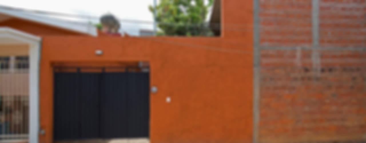 Moderne Häuser von rOOtstudio Modern