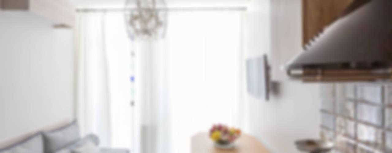 Scandinavian style living room by SAZONOVA group Scandinavian