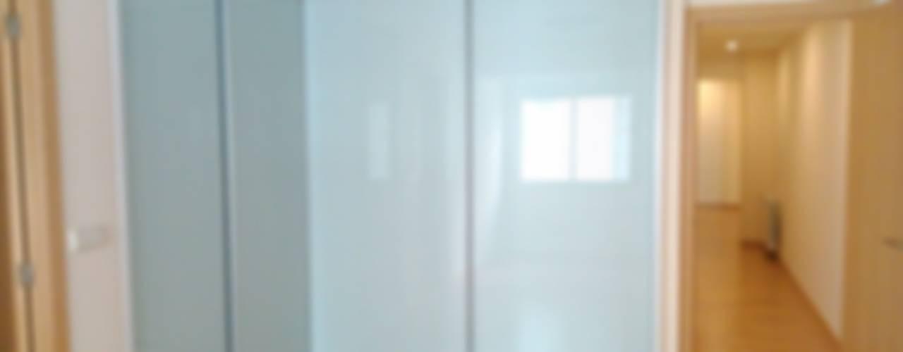 Puertas en cristal de DOS AMBIENTS Minimalista