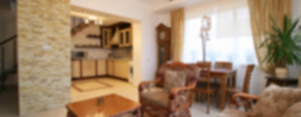 Интерьер загородного дома: Гостиная в . Автор – Наталья Дубовая Charman-design