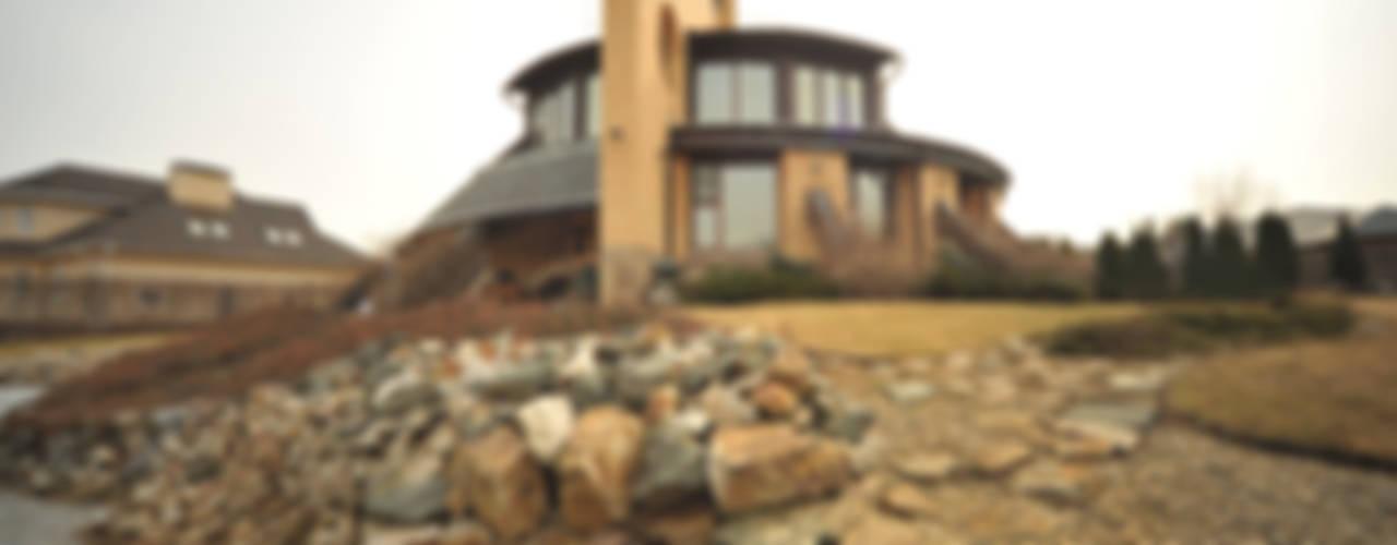 Футуристический дом Дома в эклектичном стиле от Миллениум Проект Эклектичный