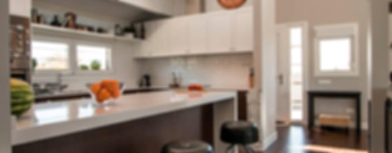 Casa Moderna en Valdemorillo Cocinas de estilo moderno de Canexel Moderno