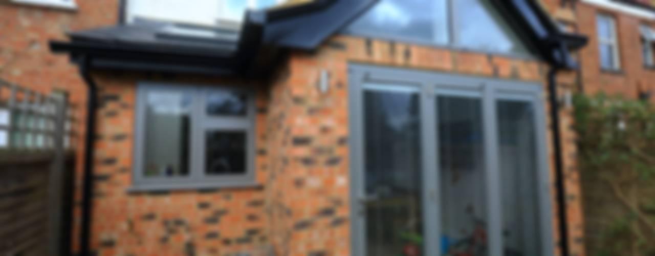 Single Storey Extension and Loft Conversion, Lance Rd Maisons modernes par London Building Renovation Moderne