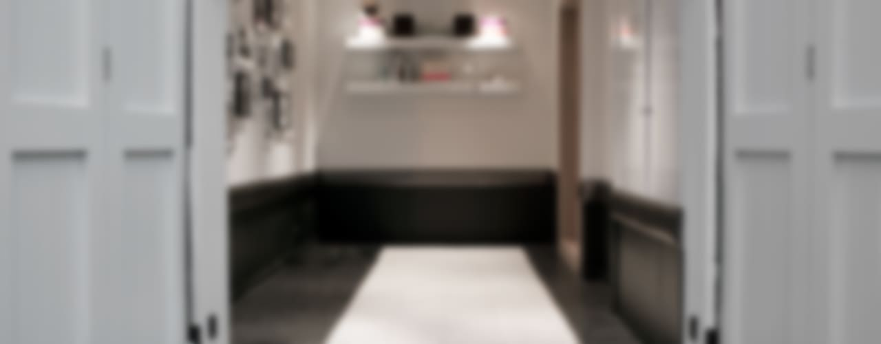 Mews House, Pont Street Mews, Knightsbridge, London Garajes modernos de RBD Architecture & Interiors Moderno
