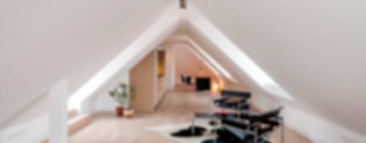 Livings de estilo  por arcs architekten , Minimalista