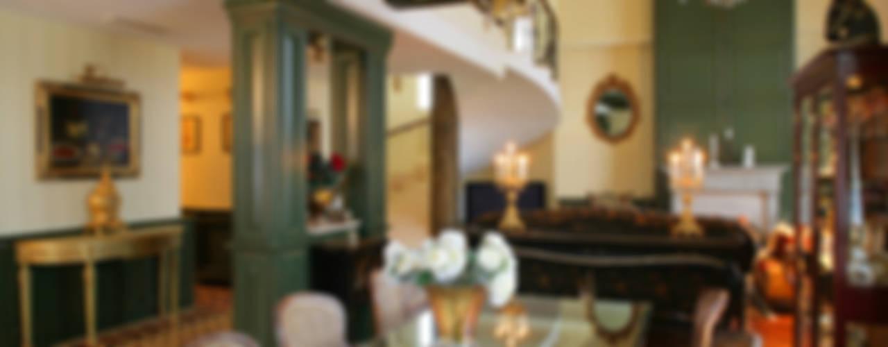 Бельгийская деревня Столовая комната в классическом стиле от DECORA Классический