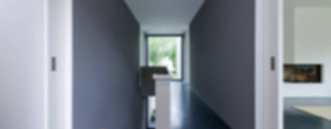 Architekturbüro Dongus Couloir, entrée, escaliers modernes