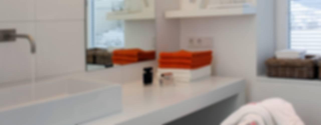 Umbau Wohnhaus Kitzbühel Innenarchitektur + Design, Eva Maria von Levetzow Klassische Badezimmer