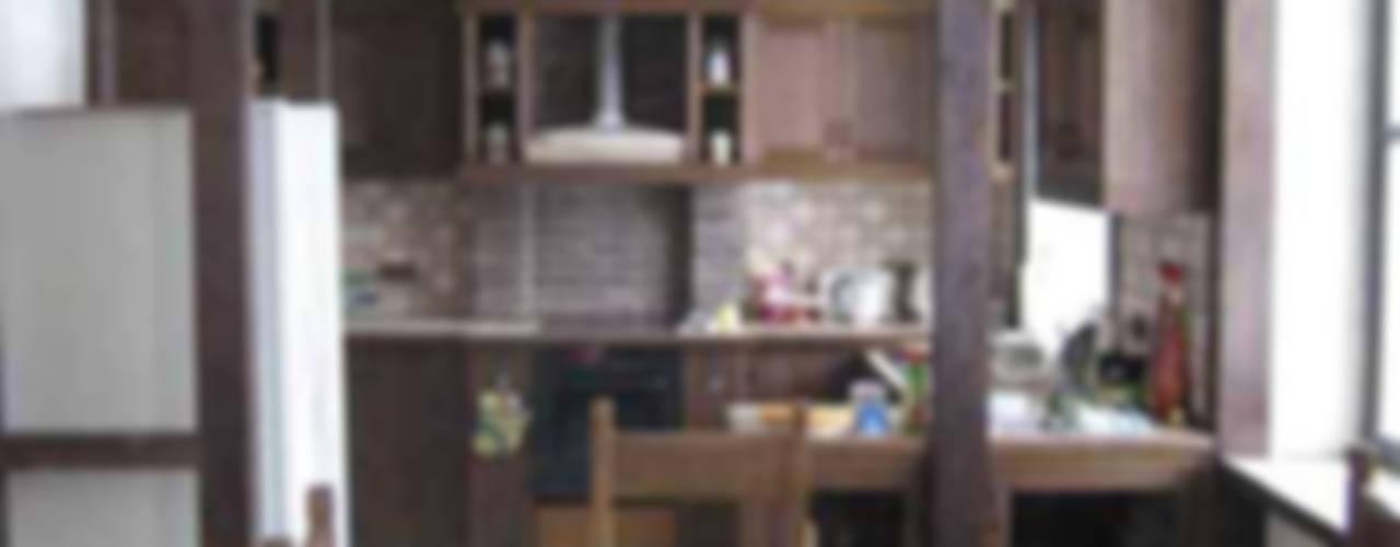 Коттедж под Троицком Архитектор Михаил Кузин Кухни в эклектичном стиле