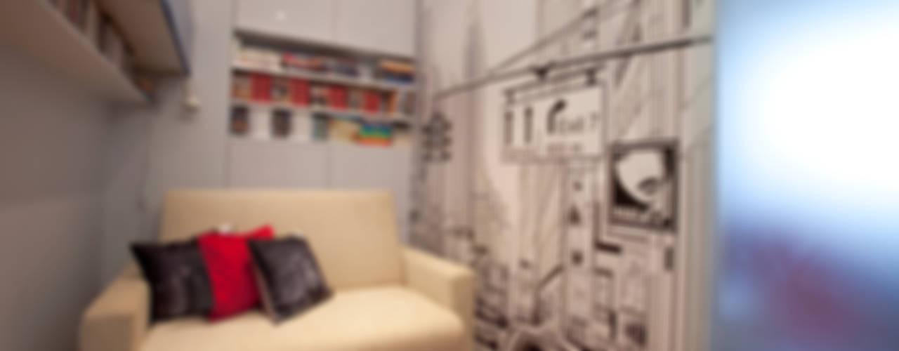 Kawalerka po remoncie Nowoczesny pokój dziecięcy od ZAWICKA-ID Projektowanie wnętrz Nowoczesny