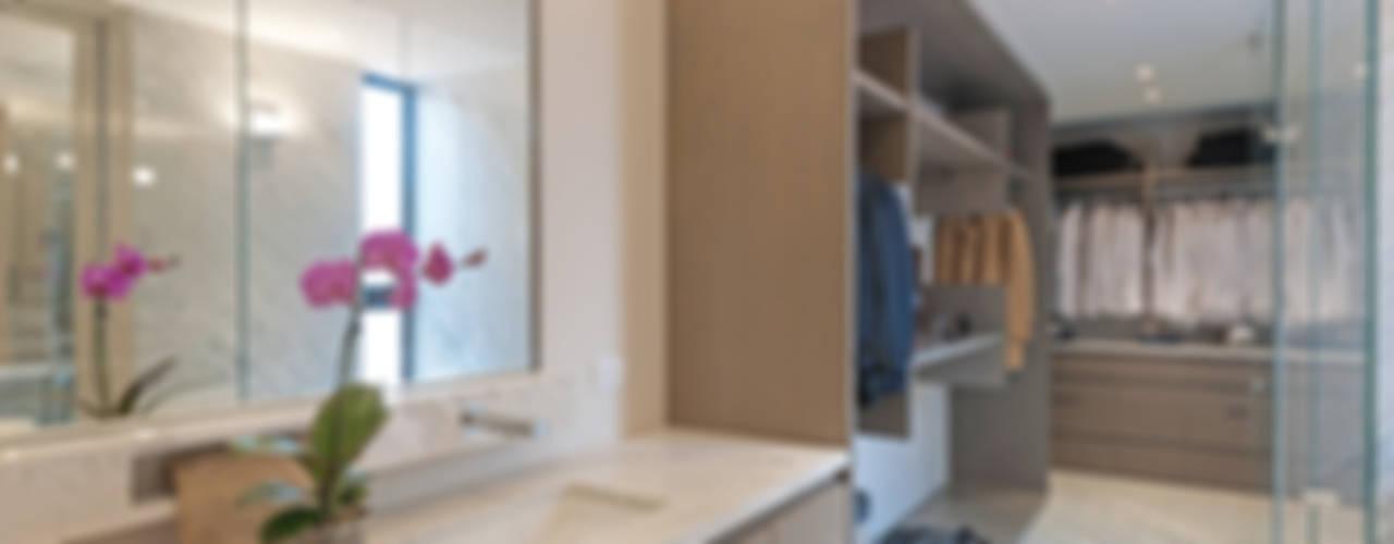 Vestidores de estilo moderno de Faci Leboreiro Arquitectura Moderno