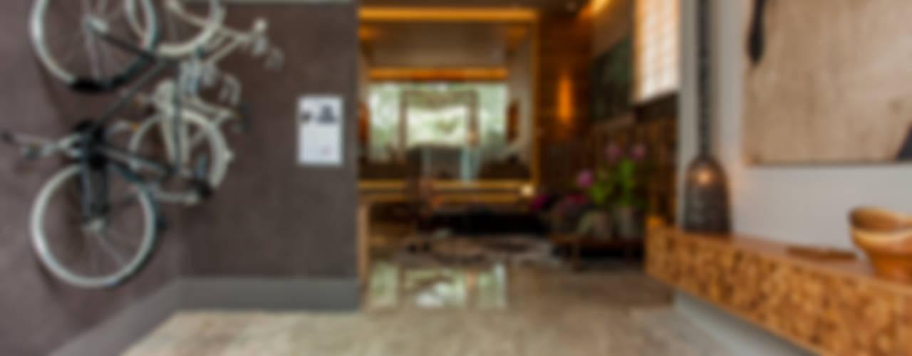 Casa³ Corredores, halls e escadas modernos por Denise Barretto Arquitetura Moderno