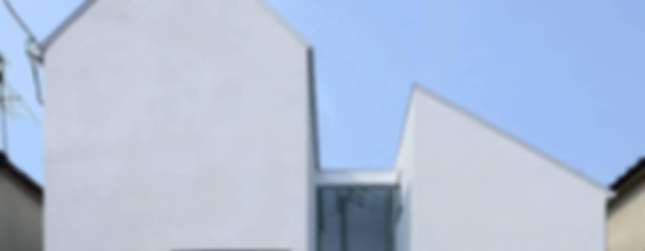永楽荘の家 - House of Eirakusou: 林泰介建築研究所が手掛けた家です。,モダン