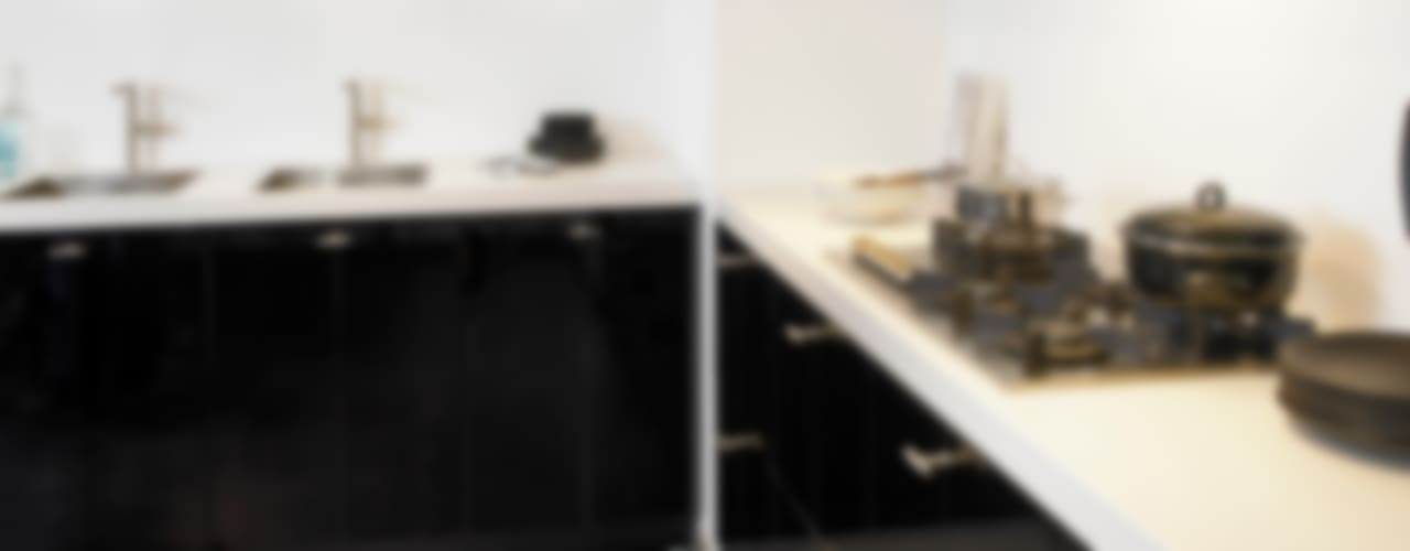 zwarte keukens:  Keuken door DB KeukenGroep