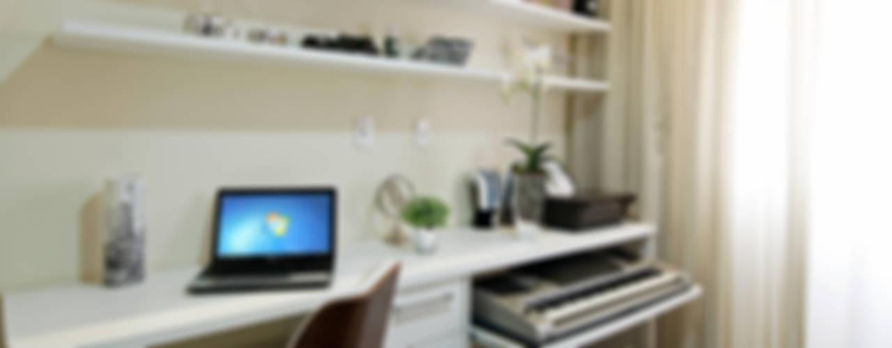 Apartamento Indaiatuba: Escritórios  por Designer de Interiores e Paisagista Iara Kílaris
