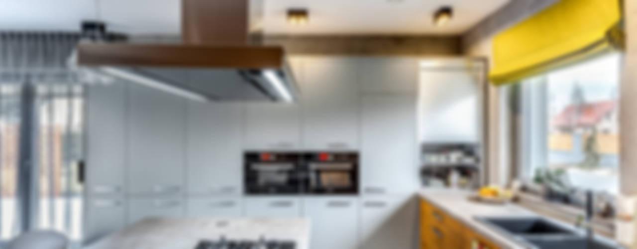 ミニマルデザインの キッチン の COCO Pracownia projektowania wnętrz ミニマル