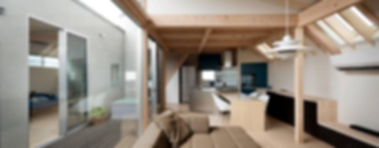 FOLD モダンデザインの リビング の 充総合計画 一級建築士事務所 モダン