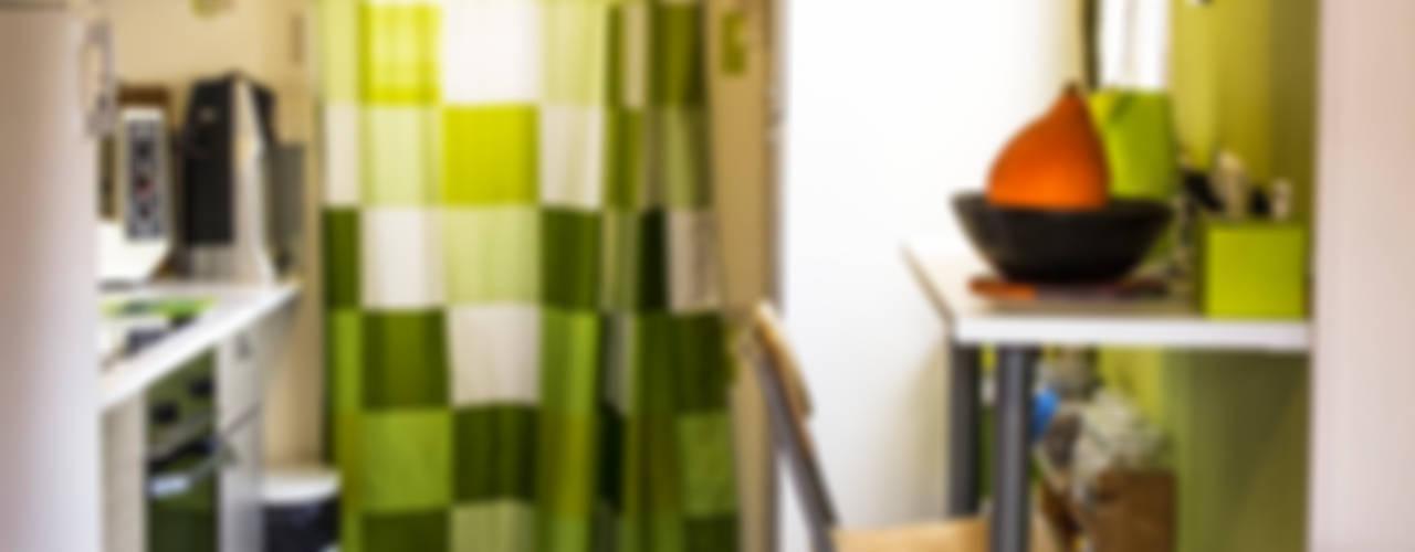 Rénovation d'une remise en studio à Chantilly Cuisine moderne par lmarchitectureinterieure Moderne
