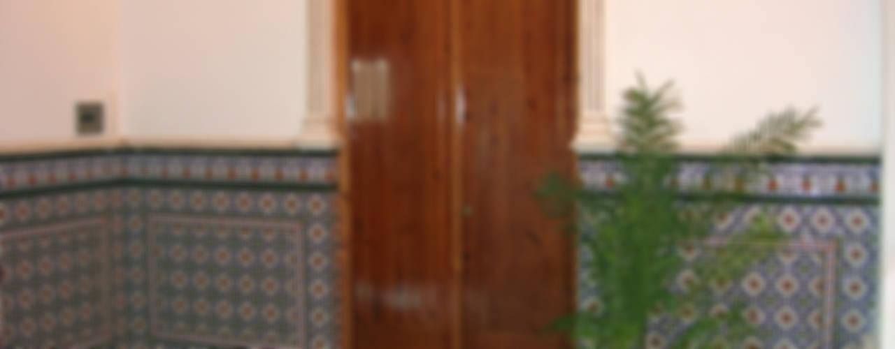 Corridor, hallway by Hispalcerámica,