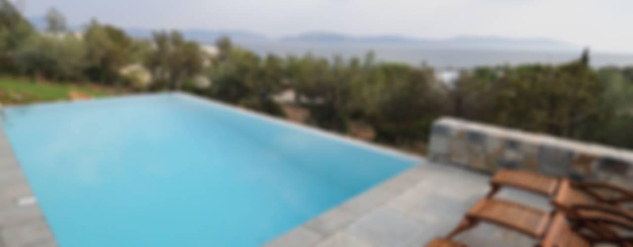 VILLA AL MARE Ermioni Grecia Piscina in stile mediterraneo di CARLO CHIAPPANI interior designer Mediterraneo