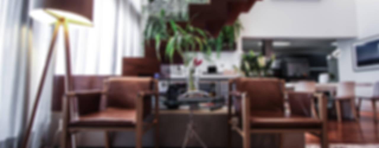 Salas de estar modernas por SP Estudio Moderno