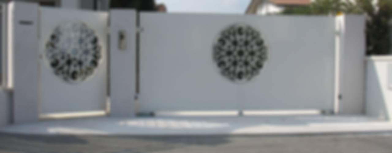 Casas modernas: Ideas, imágenes y decoración de LA FUCINA ITALIANA SRL Moderno