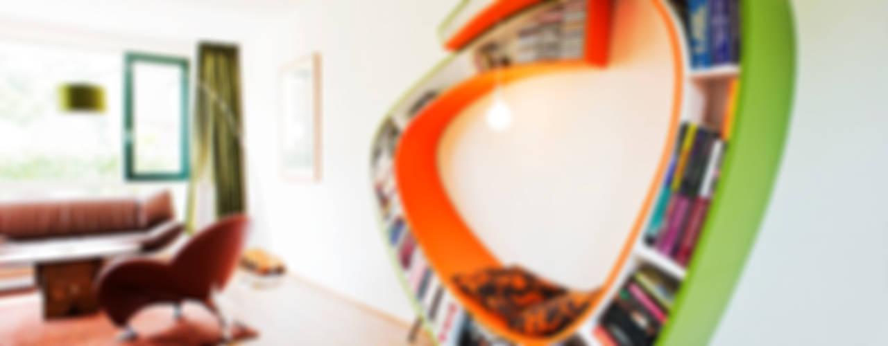 Bookworm:   door Atelier 010
