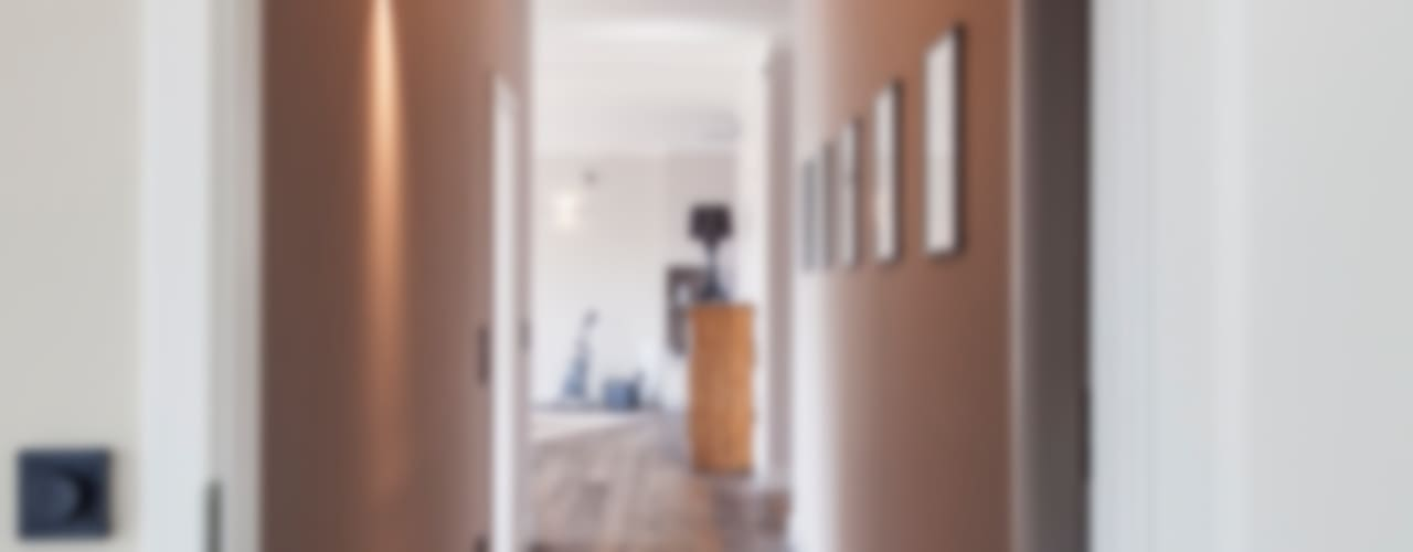 High End Dachgeschoss Ausbau Moderner Flur, Diele & Treppenhaus von 16elements GmbH Modern