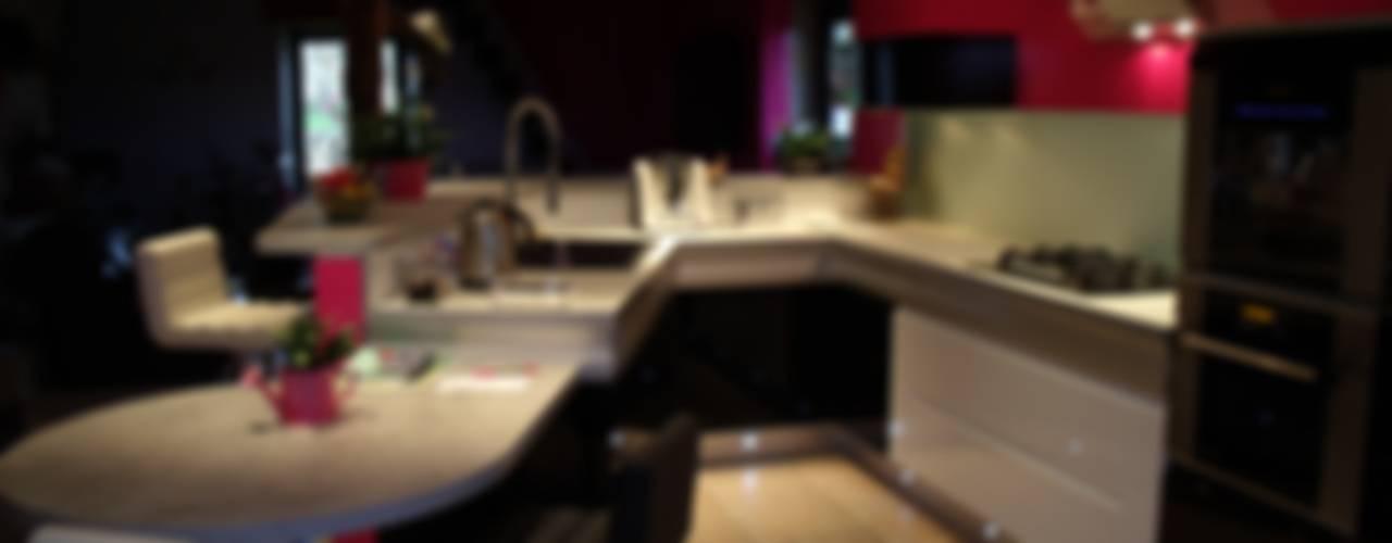 Une cuisine remise au goût du jour Cuisine moderne par Atelier Cuisine Moderne
