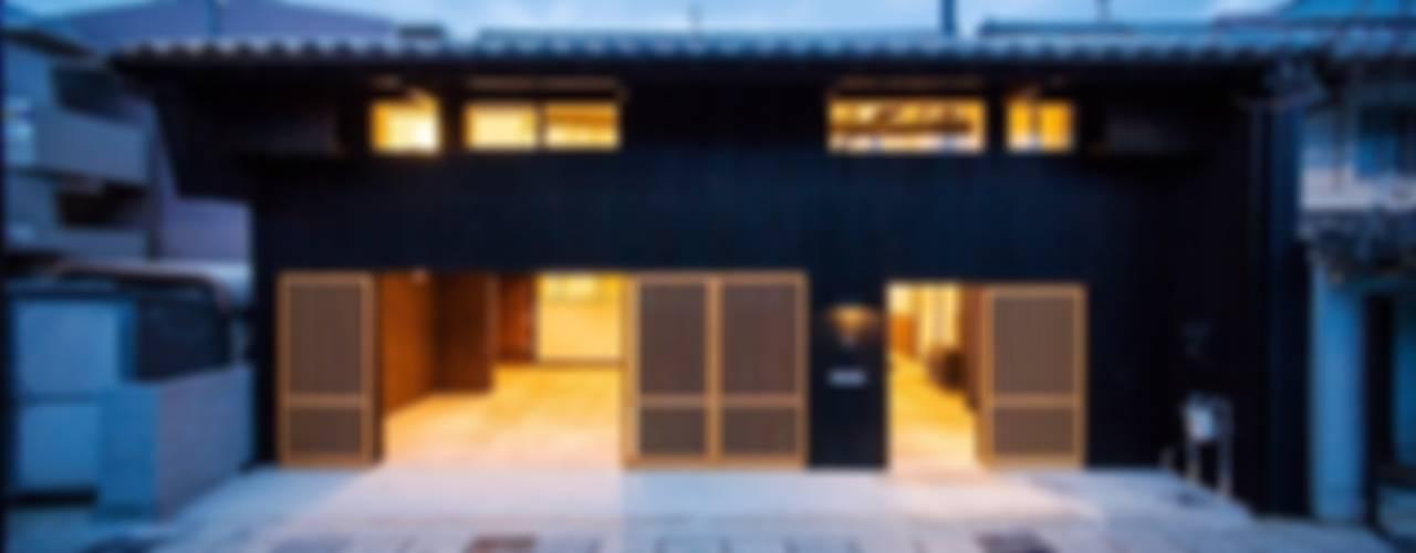 花しょうぶ通りの家(江戸後期の町家のリノベーション): タクタク/クニヤス建築設計が手掛けた家です。,和風
