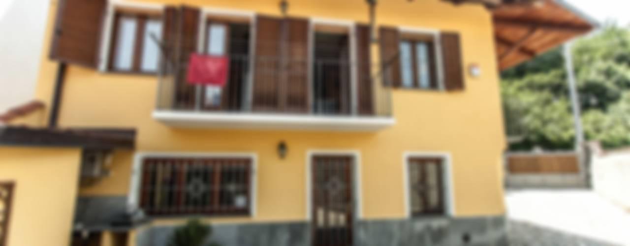 Casas de estilo moderno de UAU un'architettura unica Moderno
