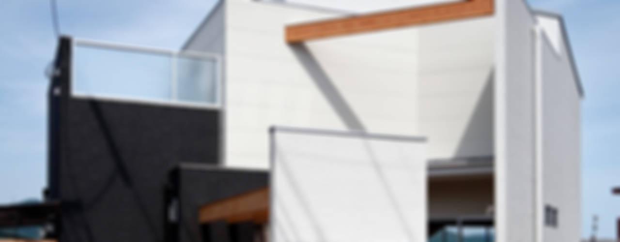 いれこ: +0 atelier | プラスゼロアトリエが手掛けた家です。,モダン