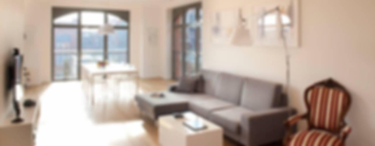 loft Minimalistyczny salon od atoato Minimalistyczny