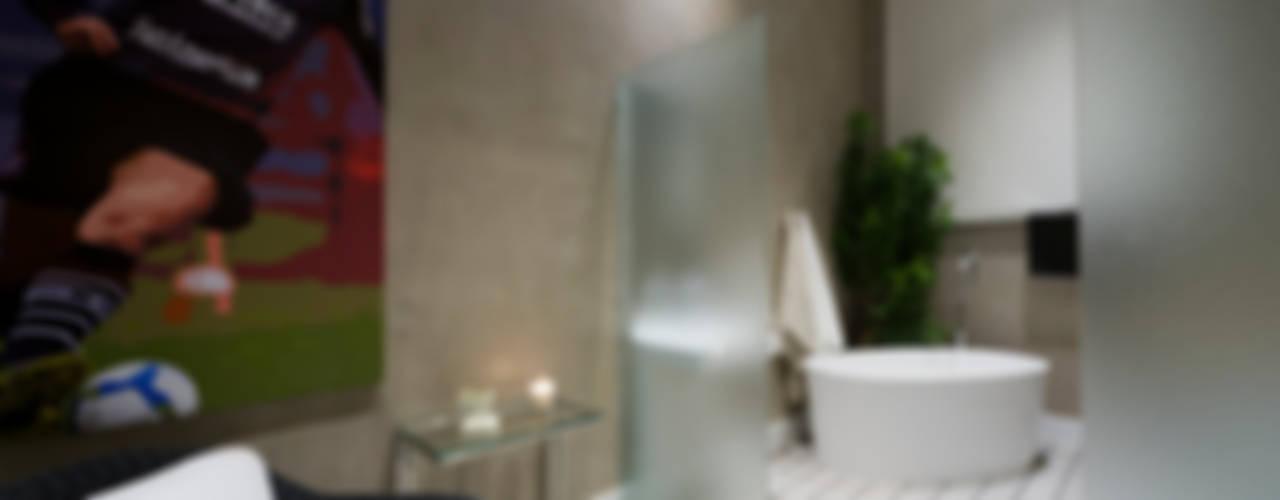 Baños modernos de FJ Novaes Light Projects Moderno