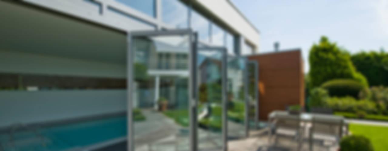 Piscinas de estilo  de Solarlux GmbH, Moderno
