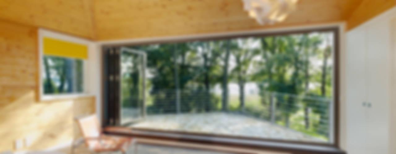 Glas-Faltwand mit Seeblick von Solarlux GmbH Modern