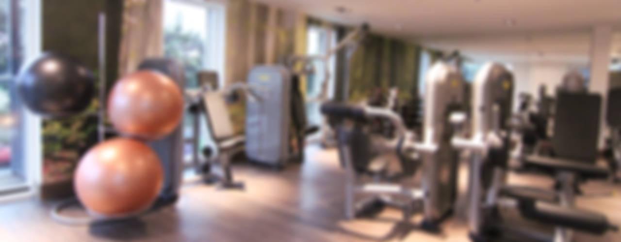 Home Gyms Salle de sport moderne par Raw Corporate Health Moderne