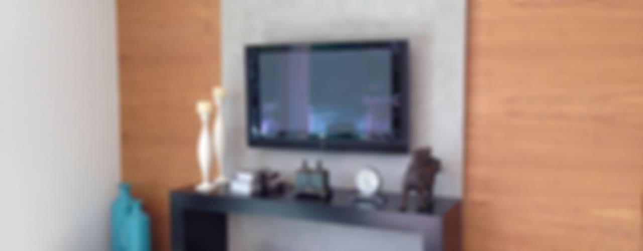 Modern media room by ESTÚDIO danielcruz Modern