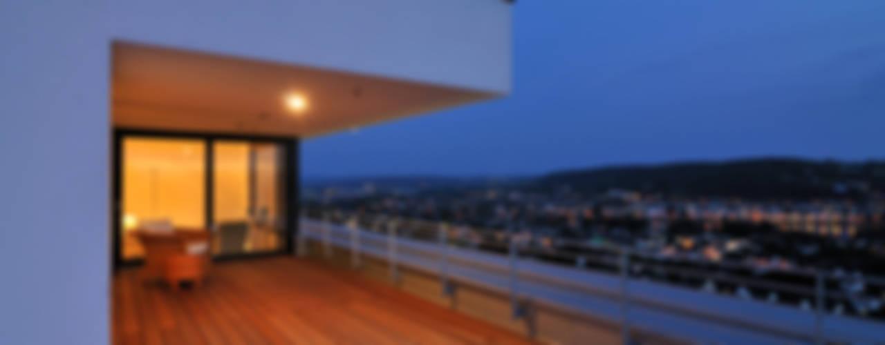 Modern Balkon, Veranda & Teras wirges-klein architekten Modern