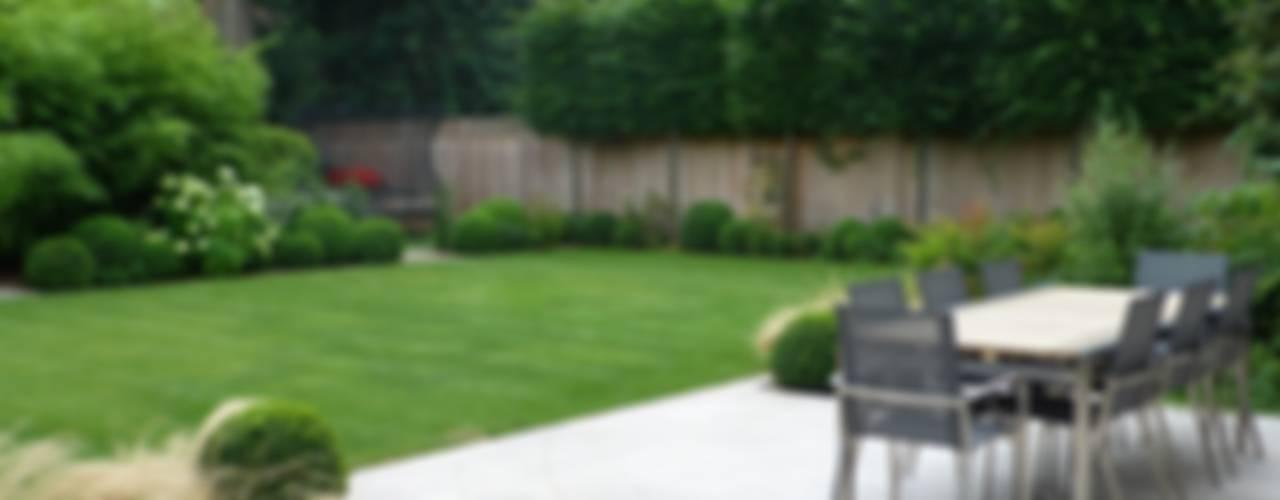 Large family garden Modern garden by Garden Arts Modern