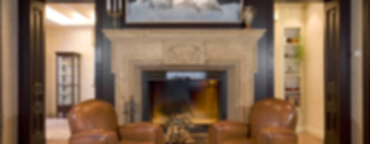 Salones clásicos de Студия дизайна Сергея Кривошеева Clásico