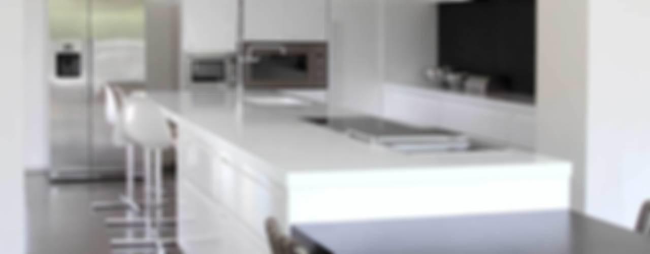 Ristrutturazione casa colonica Cucina minimalista di CuboBianco Minimalista