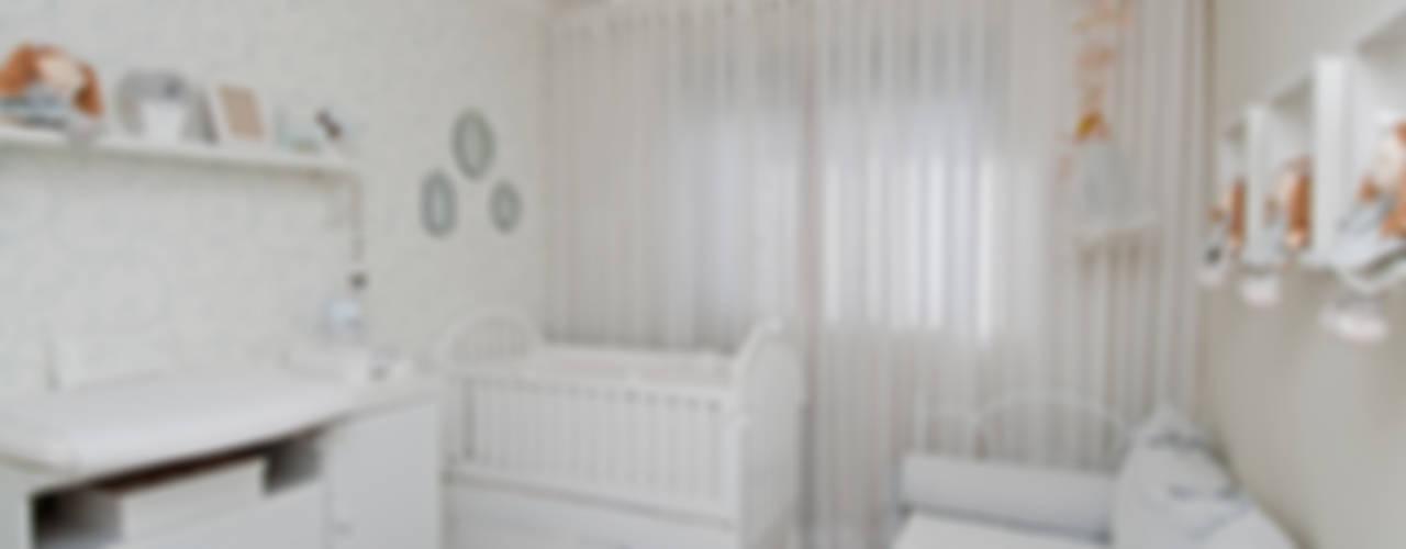 Dormitorios infantiles de estilo  de tcarvalho