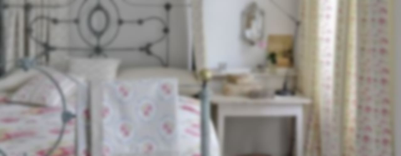 Clarke and Clarke - Romance Fabric Collection Chambre rurale par Curtains Made Simple Rural