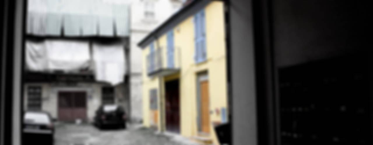 Casas de estilo clásico de Studio999 Clásico
