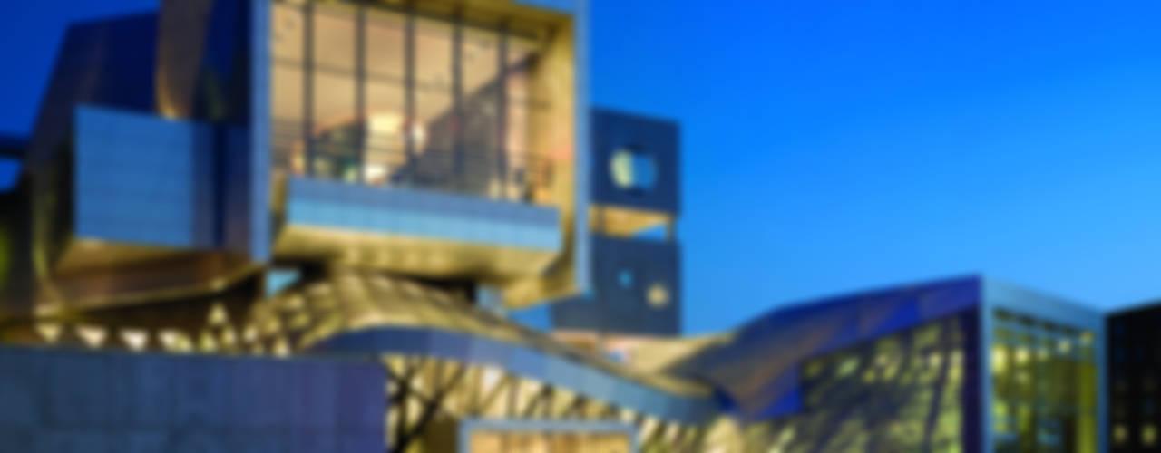 COOP HIMMELB(L)AU: HAUS DER MUSIK Moderne Veranstaltungsorte von ALUCOBOND - 3A Composites GmbH Modern
