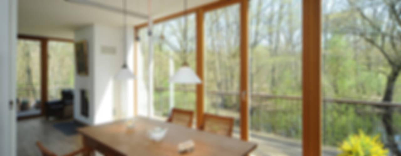 Comedores modernos de Carlos Zwick Architekten Moderno
