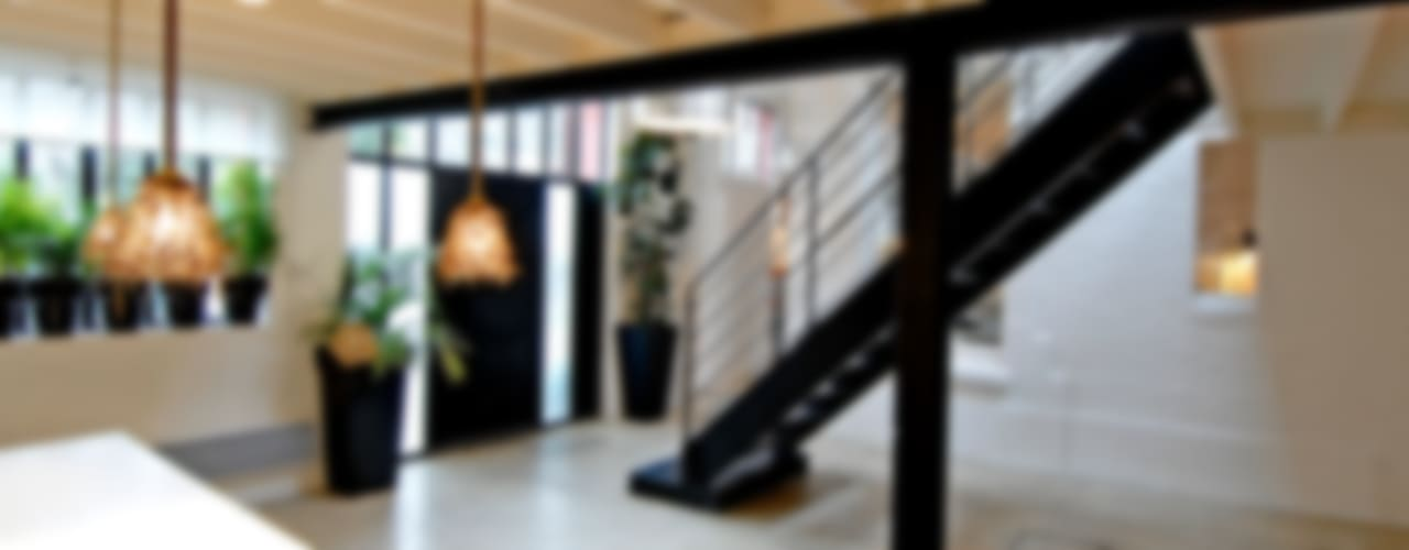 ÎLE DE LA JATTE Couloir, entrée, escaliers modernes par ZOEVOX - Fabrice Ausset Moderne