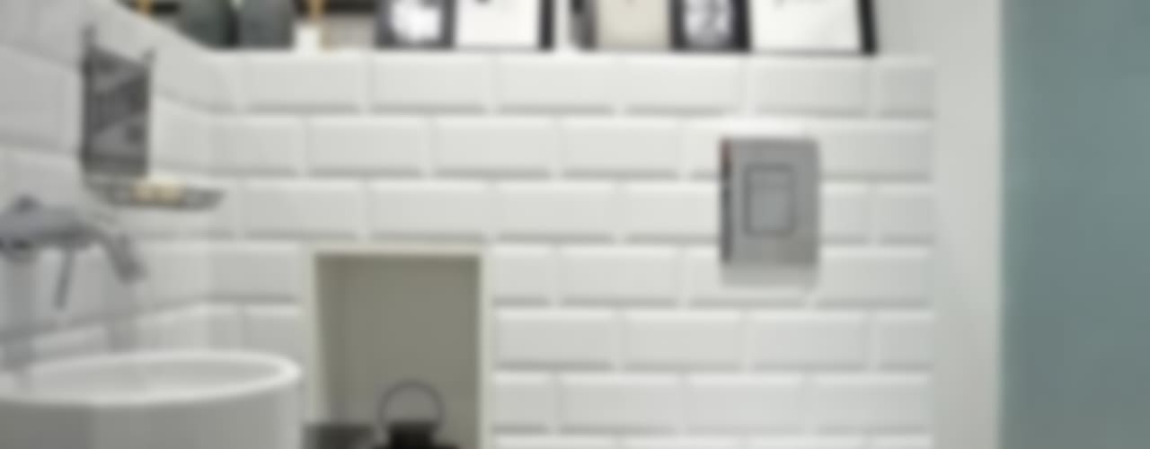 Baños de estilo  por Deeco